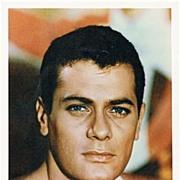 Tony Curtis Autograph: 7 x 9,5. Portrait Photo.CoA