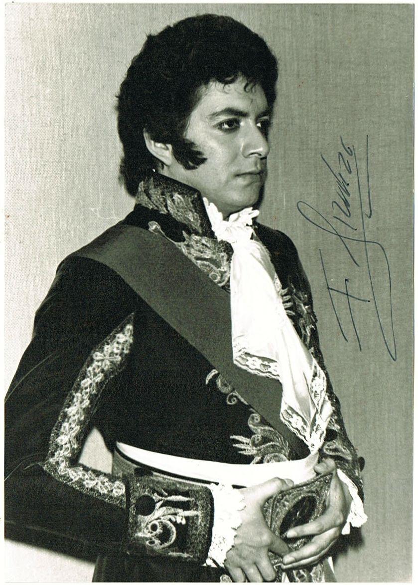 Francesco Araiza Autograph on Photo. CoA