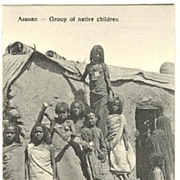 Assuan – Group of native Children. Vintage postcard from ca. 1910.