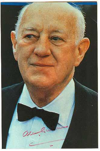 Sir Alec Guiness Autograph. CoA