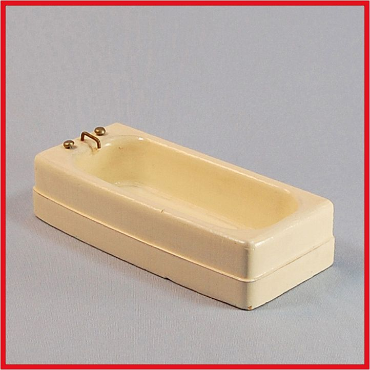 "Strombecker Dollhouse Bathtub - Cream 1953 1"" Scale"