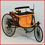 "Franklin Mint 1886 Benz Patent Motorwagen Horseless Carriage 1/8"" Scale"