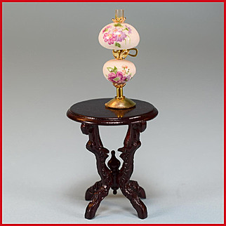 """Dollhouse Miniature Round Side Table by Fantastic Merchandise with Gone-with-the-Wind Lamp 1980s 1"""" Scale"""