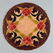 "6"" Round Dollhouse Hooked Rug Made in Occupied Japan 1940s"