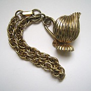 Unsigned Goldtone Urn Charm Bracelet