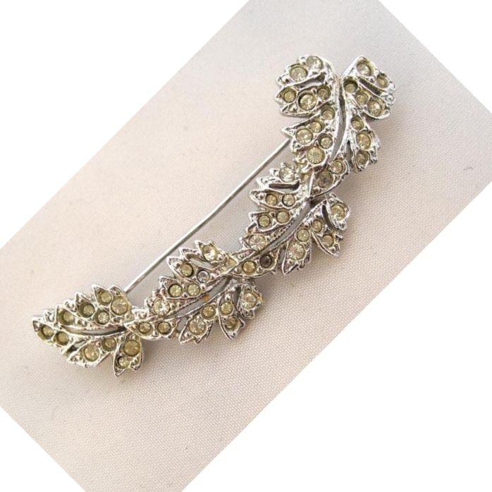 Silvertone Maple Leaf Curved Bar Brooch/Pin
