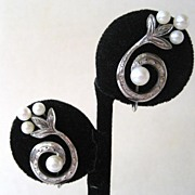 Sterling Silver Swirled Cultured Pearl Earrings