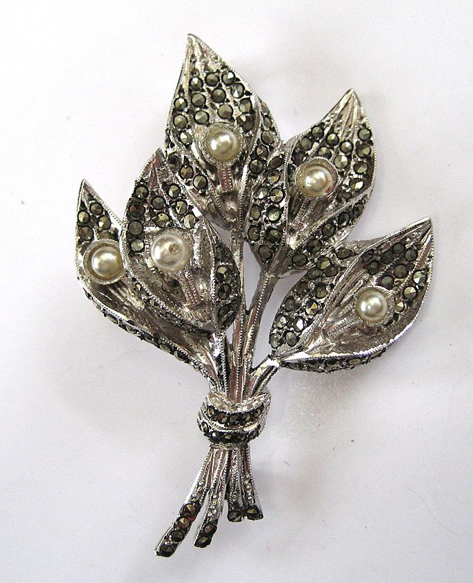 Faux Pearl Marcasite Brooch/Pin