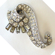 Sea Horse Shaped Rhinestone Fur Clip
