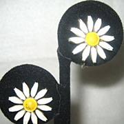 Gold Tone Enamel Daisy Earrings