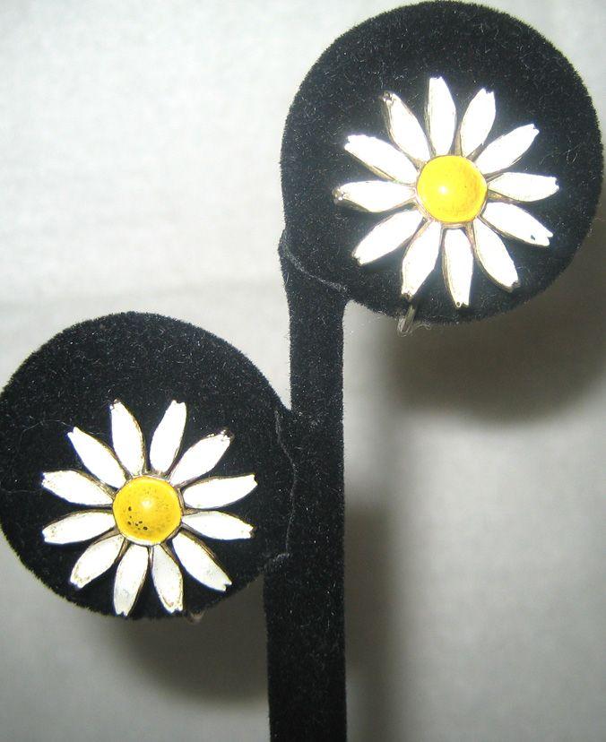 Gold Tone Enamel Daisy Earrings