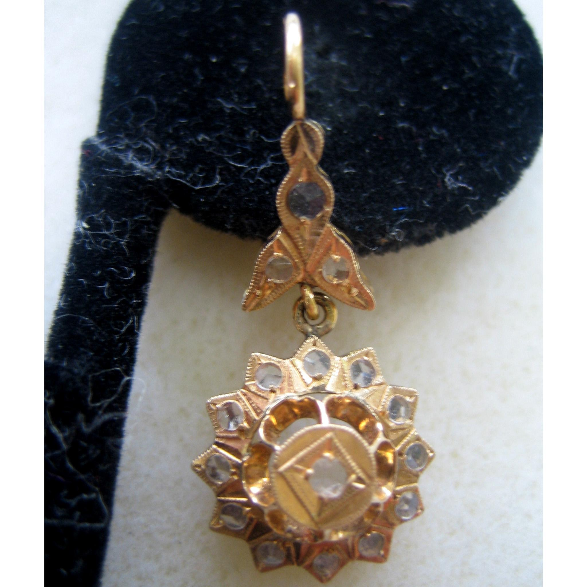 14K Yellow Gold Pointed Diamond Floral Earrings