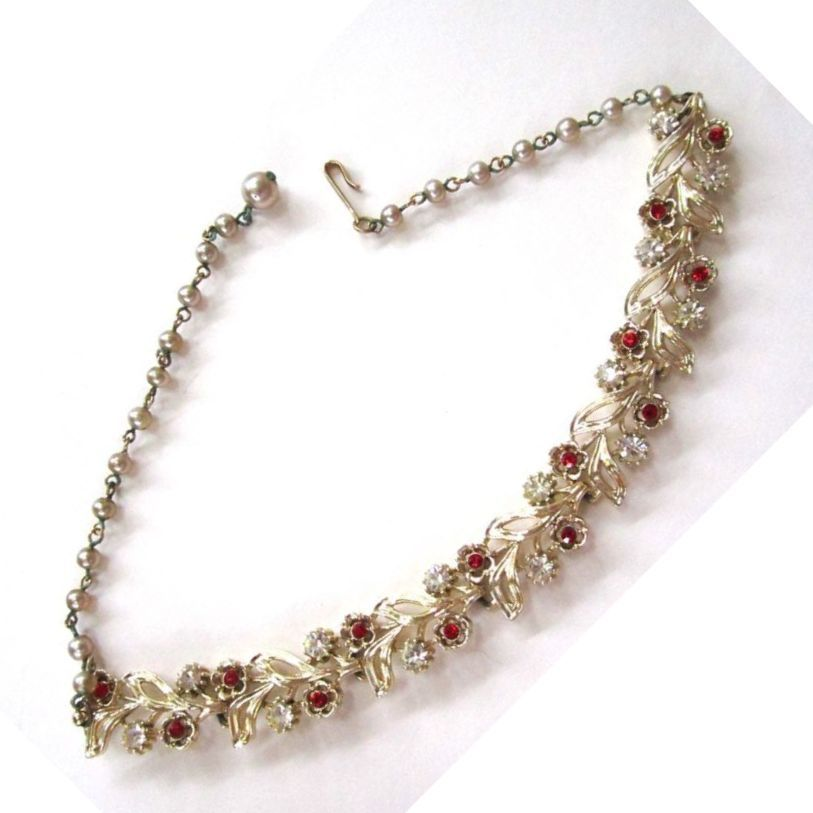 Lisner Leaf and Red Rhinestone Faux Pearl Necklace/1Choker