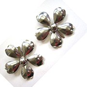Large Silver-Tone Daisy Hair Clips/Barrettes