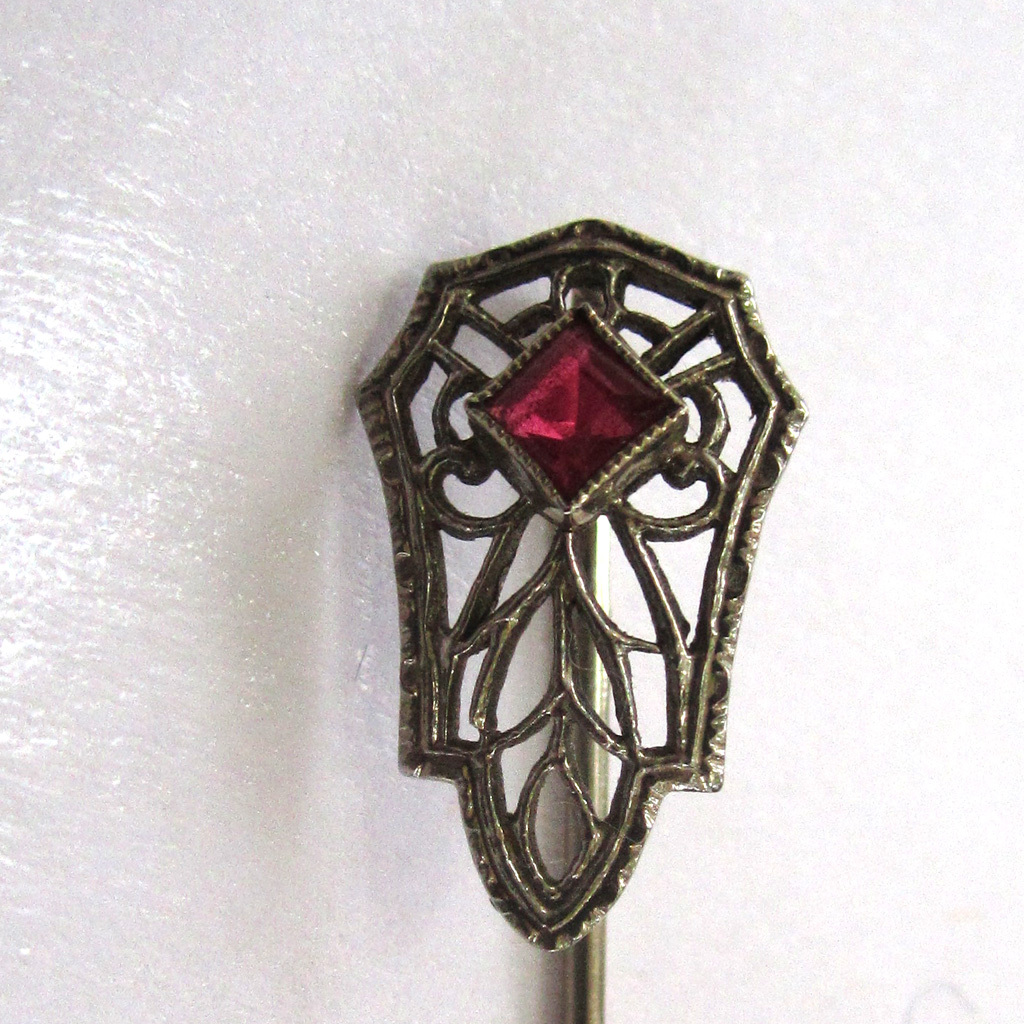 Art Deco 10K White Gold Filigree Red Spinel Stick Pin