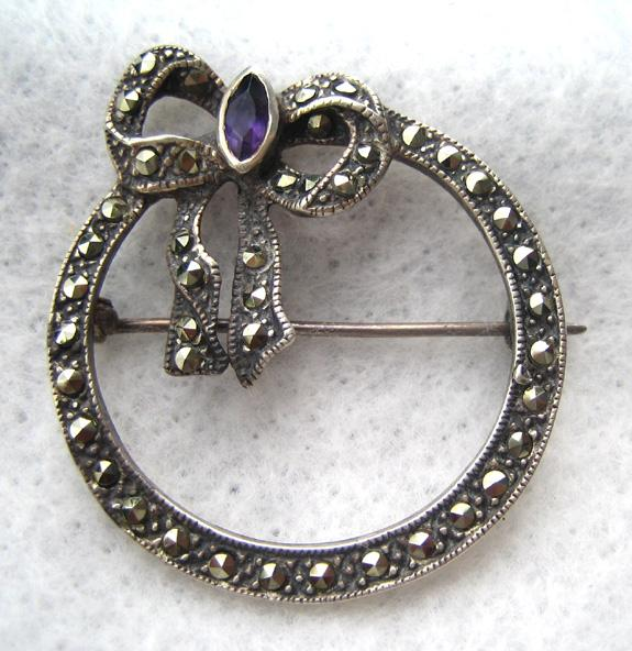 Sterling Marcasite Wreath and Bow Brooch/Pin