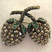 Weiss Silvertone Marcasite and Green Rhinestone Berry Demi Parure:Brooch/Pin/Earrings