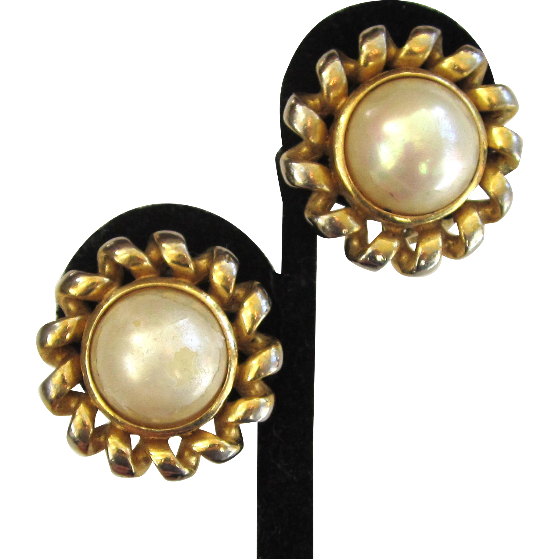 Bijoux Vintage Christian Dior : Christian dior bijoux faux mabe pearl gold tone earrings