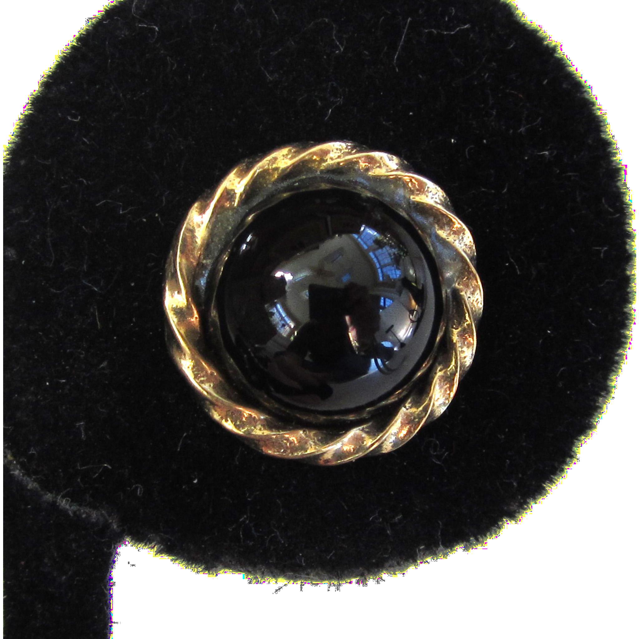 English 9K Yellow Gold Onyx Cabochon Earrings