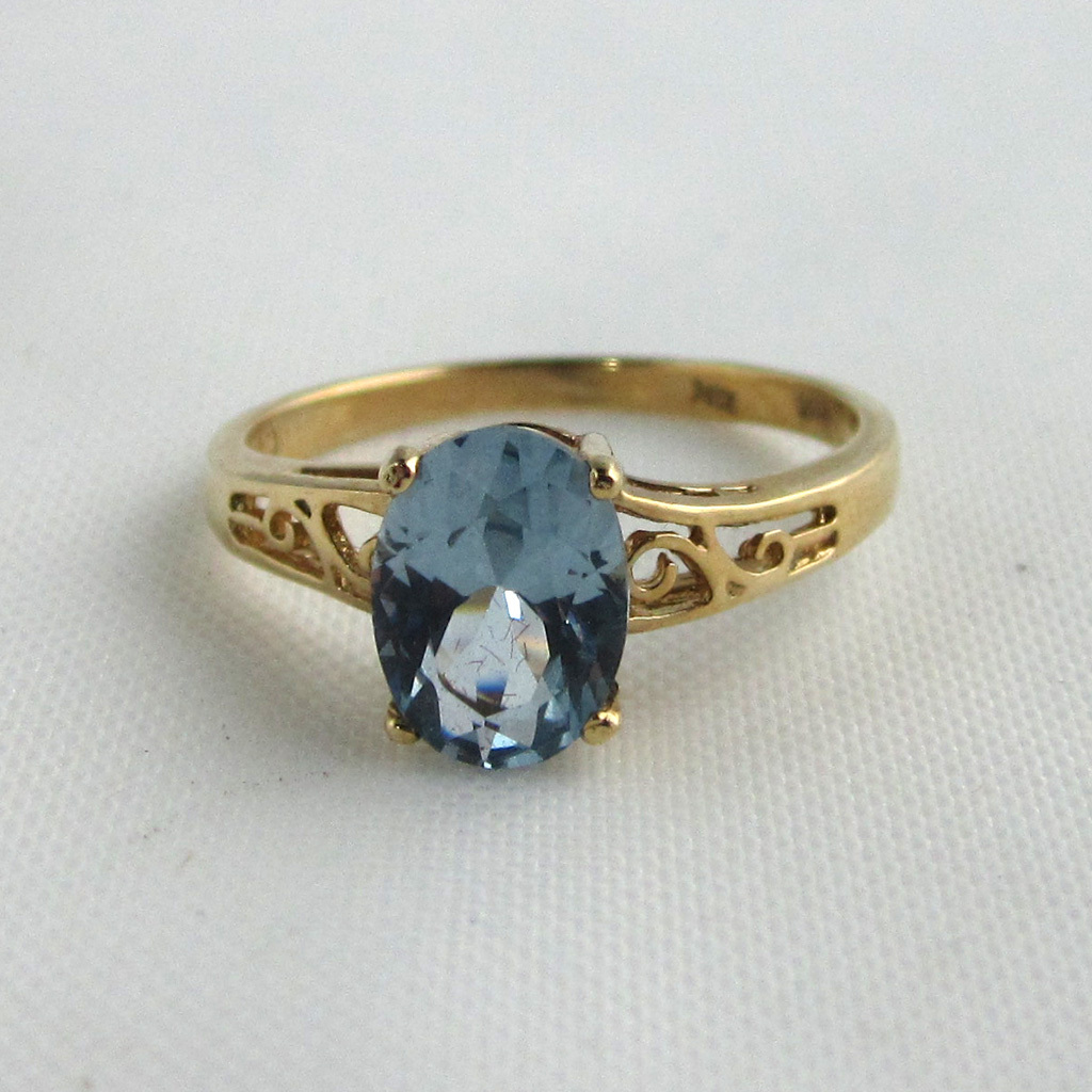 10K Yellow Gold Blue Topaz Filigree Ring