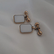 Antique 10K yellow gold and White Glass Cufflinks
