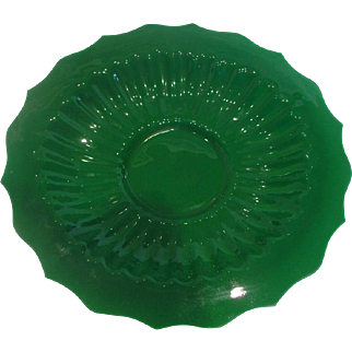 """Chinese Jade Green Peking Art Glass Lobed 12 ½"""" Plate or Shallow Bowl Signed c 1890"""