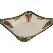 Hutschenreuther Selb Bavaria Art Nouveau Grape Motif Bowl (c.1920-1940)
