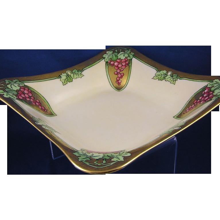 Hutschenreuther Selb Bavaria Art Nouveau Grape Motif Bowl (c.1920-1940)