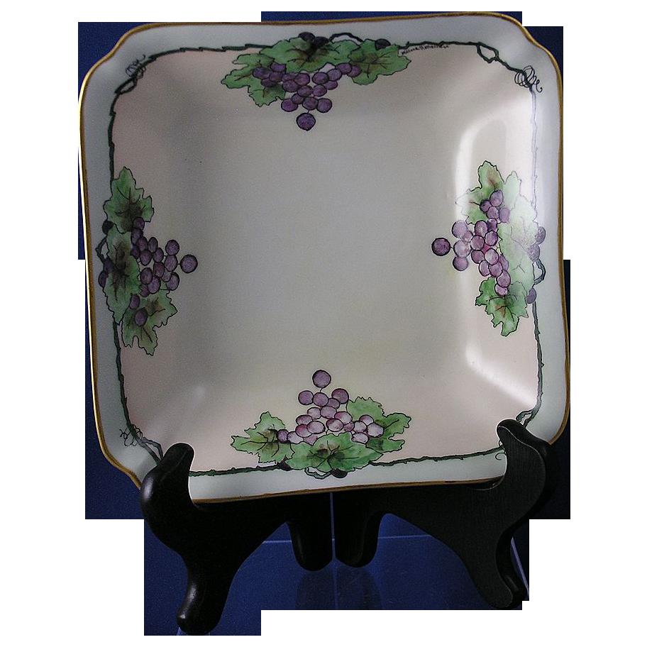 """Hutschenreuther Bavaria Grape Motif Dish (Signed """"Mildred Halleren""""/Dated 1924)"""