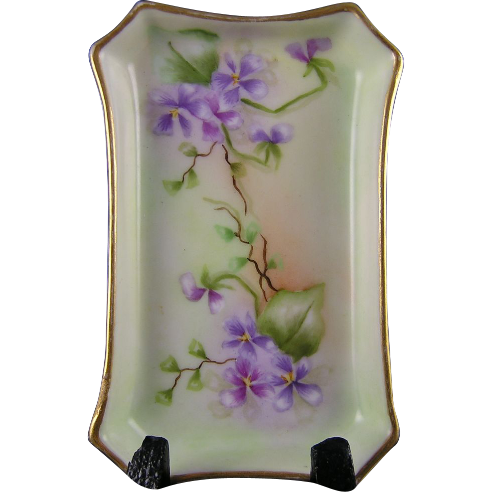 William Guerin & Co. (WG&Co.) Limoges Violet Motif Pin Tray (c.1900-1932)