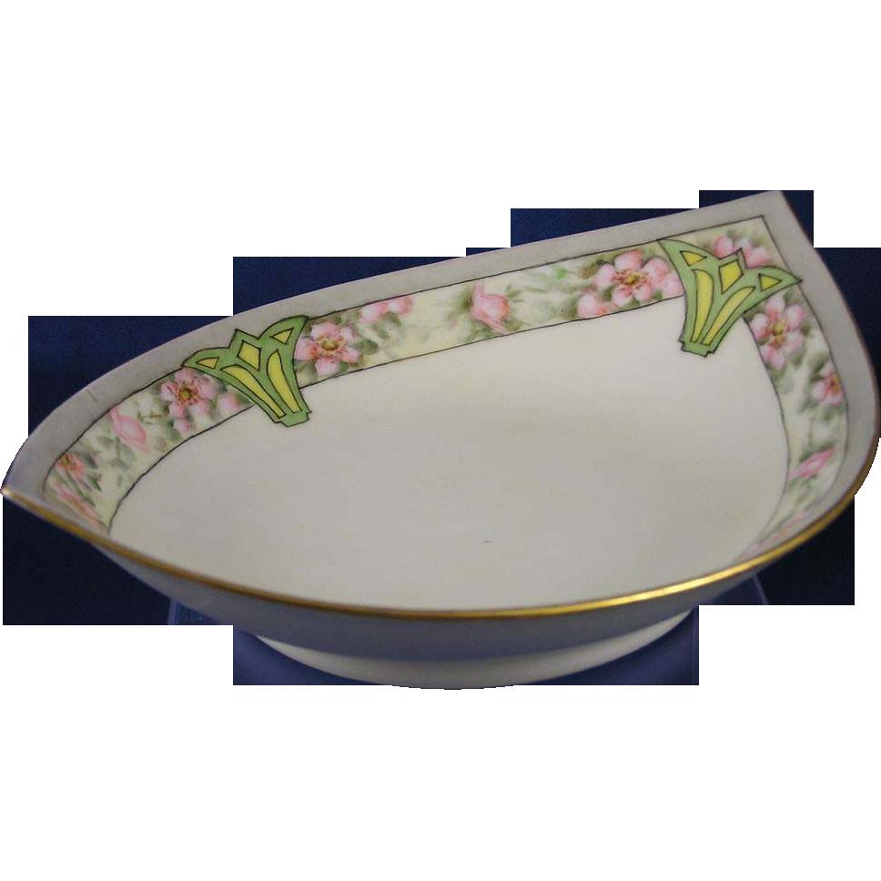 Favorite Bavaria Arts & Crafts Wild Rose Motif Bowl (c.1910-1930)