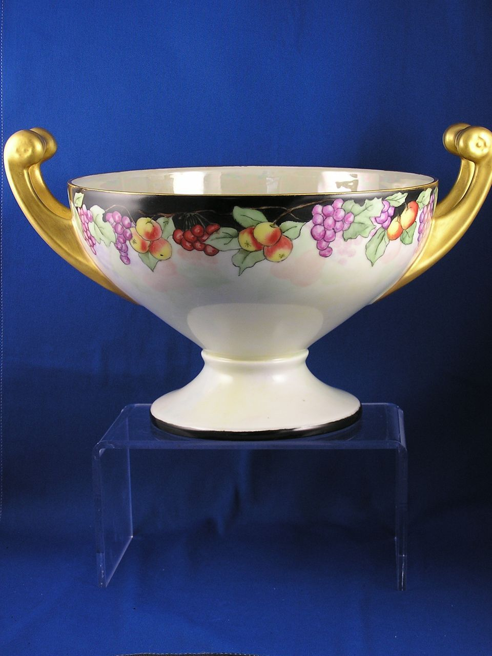 hutschenreuther selb bavaria fruit motif handled centerpiece bowl from darkflowers on ruby lane. Black Bedroom Furniture Sets. Home Design Ideas