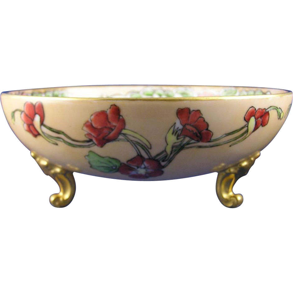 T&V Limoges Arts & Crafts Nasturtium Motif Footed Bowl (c.1892-1907)