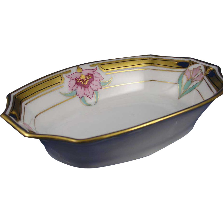 Pickard Pink & Red Arts & Crafts Floral Design Dish (c.1912-1918)