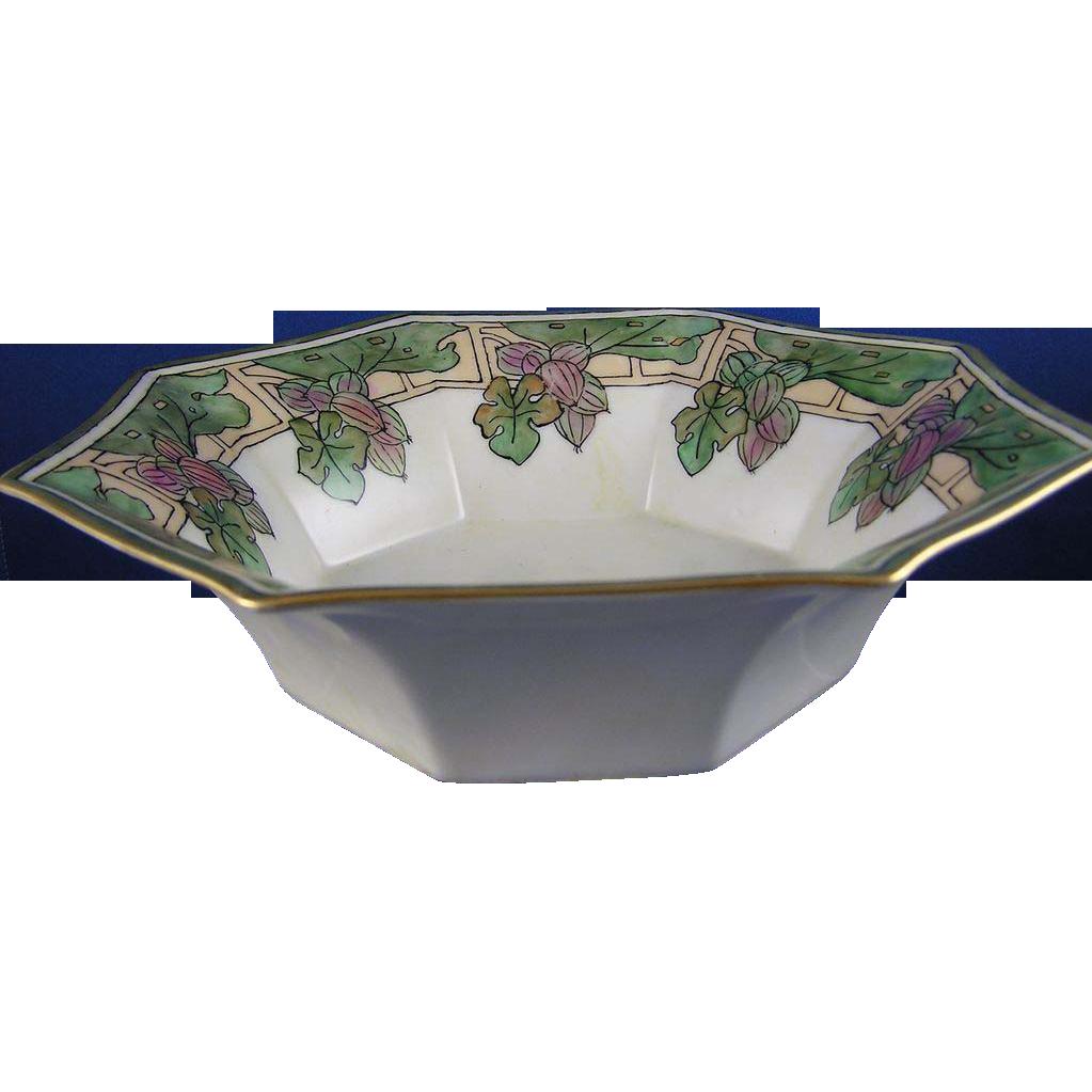 Favorite Bavaria Arts & Crafts Berry Motif Hexagonal Bowl (c.1910-1930)