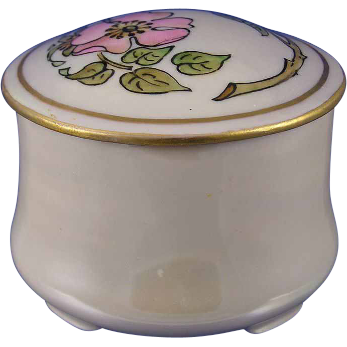 "Oscar & Edgar Gutherz (O&EG) Austria Arts & Crafts Rose Motif Trinket Jar (Signed ""M.F. Xmas 1912"")"