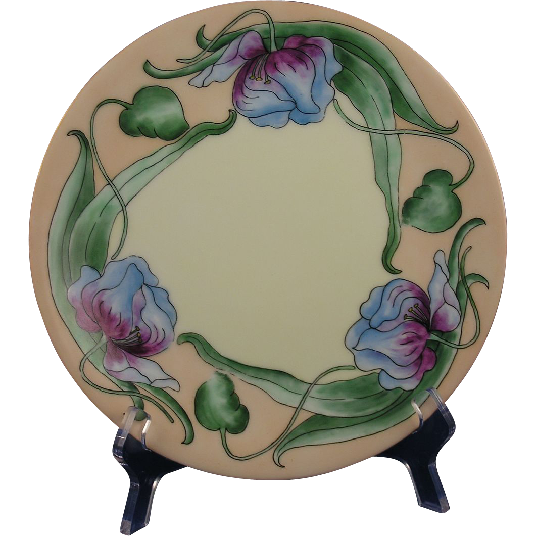 Tressemann & Vogt (T&V) Limoges Arts & Crafts Blue & Red Floral/Tulip Motif Plate (c.1892-1907)