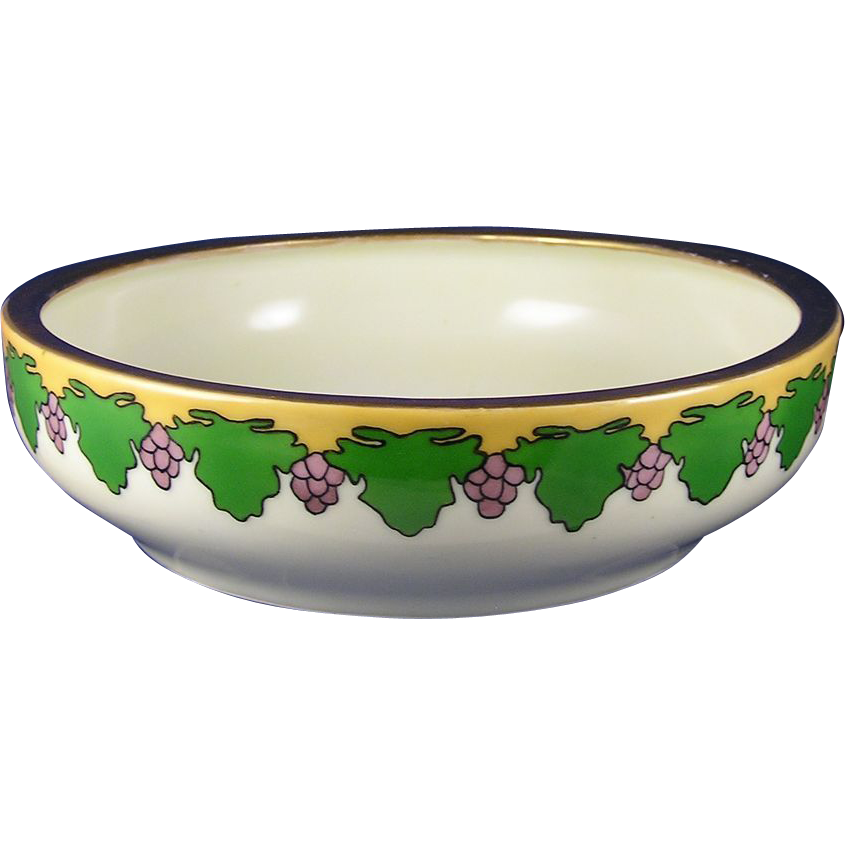 Tressemann & Vogt (T&V) Limoges Arts & Crafts Grape Motif Bowl (c.1892-1907)