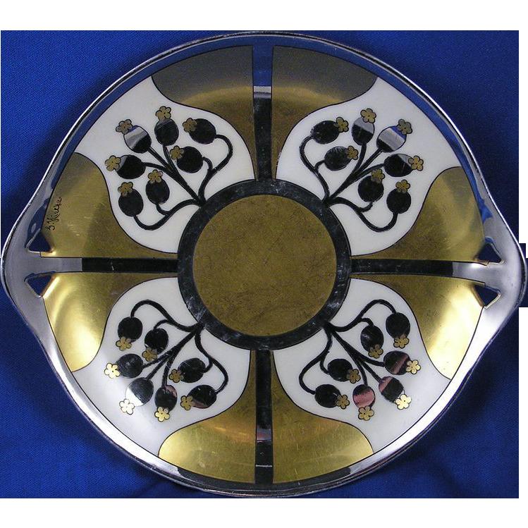 "RS Germany Pickard Studios ""Aura Argenta Linear"" Handled Plate (Signed ""G. Hiecke""/c.1918-1919)"