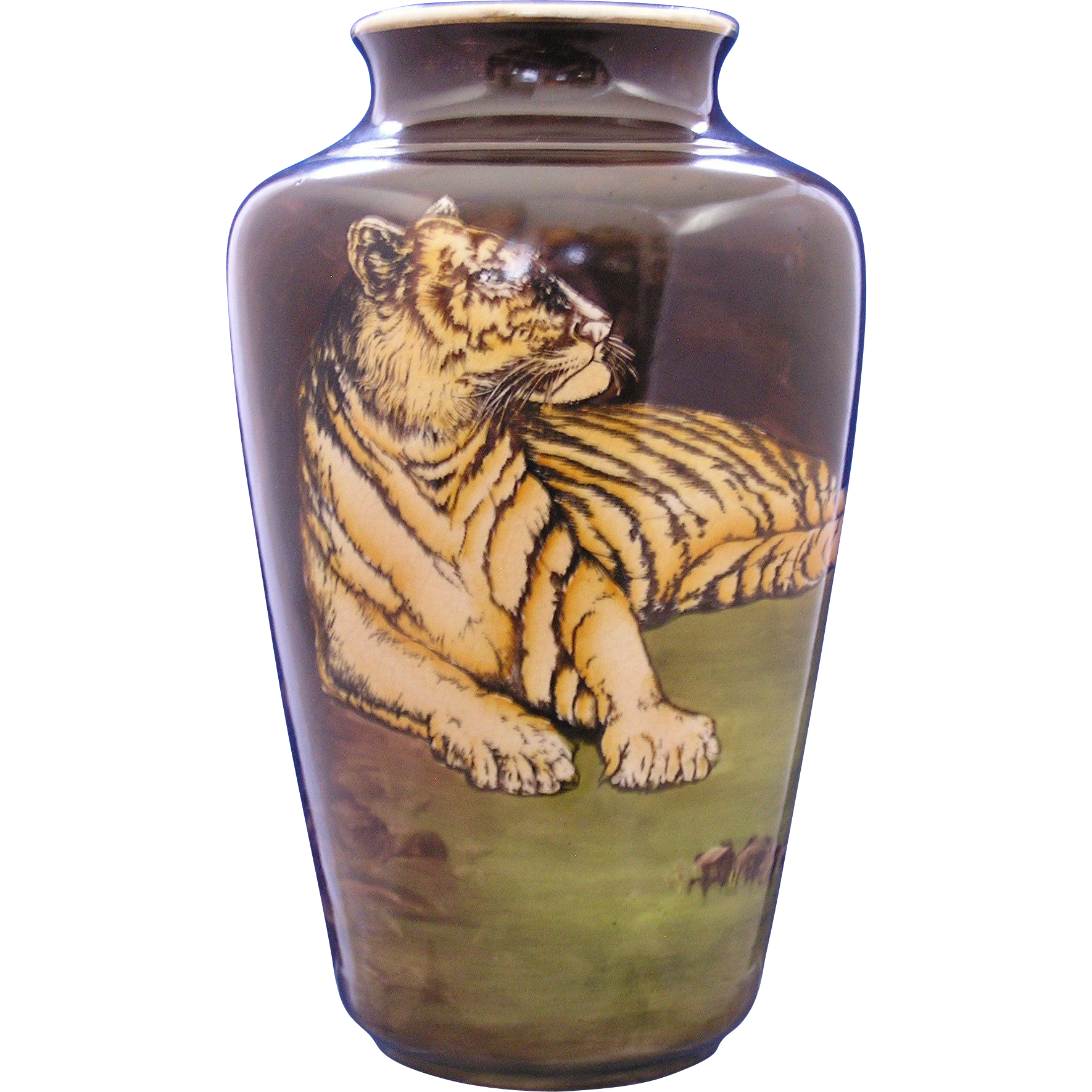 Knowles, Taylor & Knowles (K.T.& K. Co.) USA Tiger Motif Vase (c.1809)