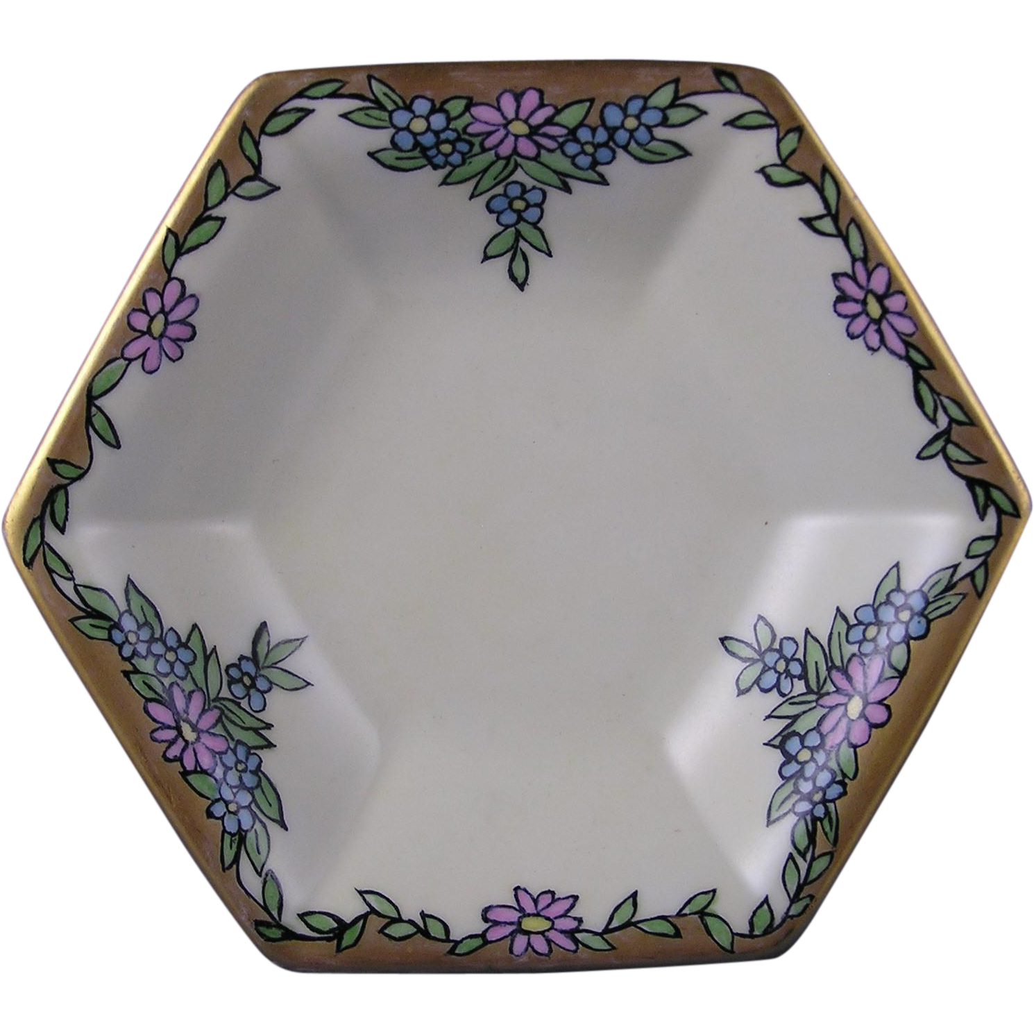 "Bernardaud & Co. (B&Co.) Limoges Arts & Crafts Floral Motif Pedestal Dish (Signed ""E. Innig""/c.1914-1930)"