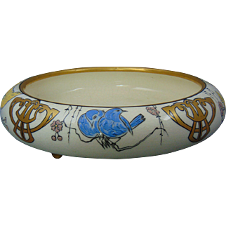 """American Satsuma Arts & Crafts Enameled Bird Design Footed Centerpiece Bowl (Signed """"Lorna Muth""""/Dated 1918)"""