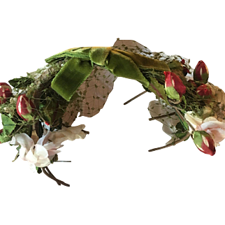 "Adorable antique Green velvet w/bow and pink silk flowers/red rosebuds! Wonderful headress for the holidays! Measures: 6"" x 2"""