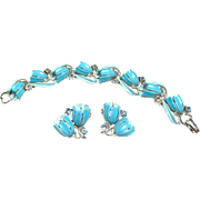 Vintage Lisner Plastic Set Bracelet Clip Earrings Blue Flowers