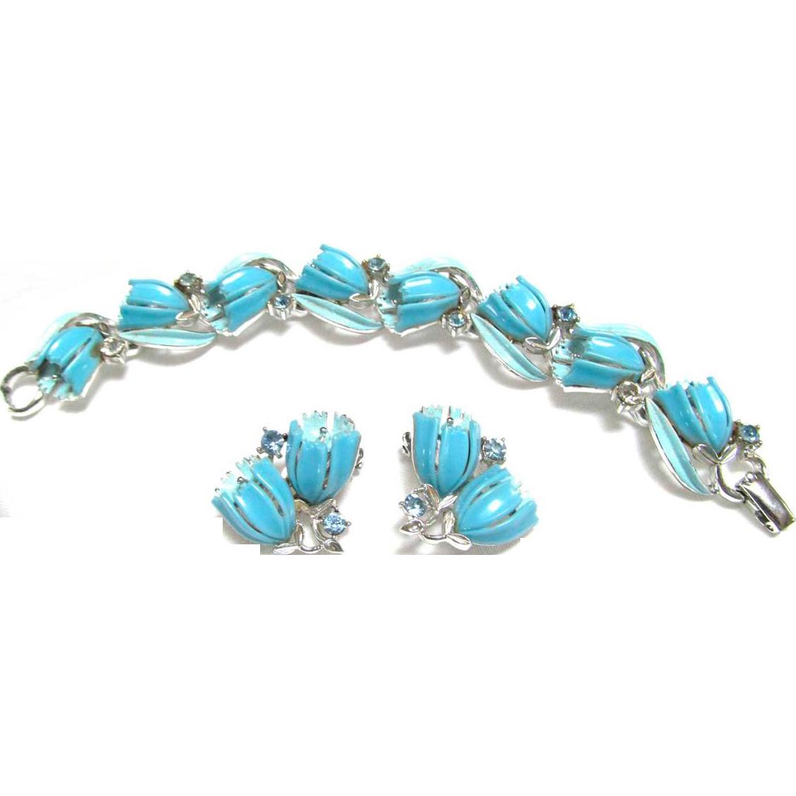 Vintage Lisner Plastic Set Bracelet Clip Earrings Blue Flowers