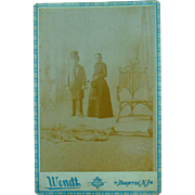 """Rare Cabinet photograph of Circus Dwarfs Major and Mrs. Ray the """"King and Queen of Lillipution World"""""""