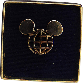 1971 Walt Disney World Golf Classic Players Mickey Mouse Tie Tack