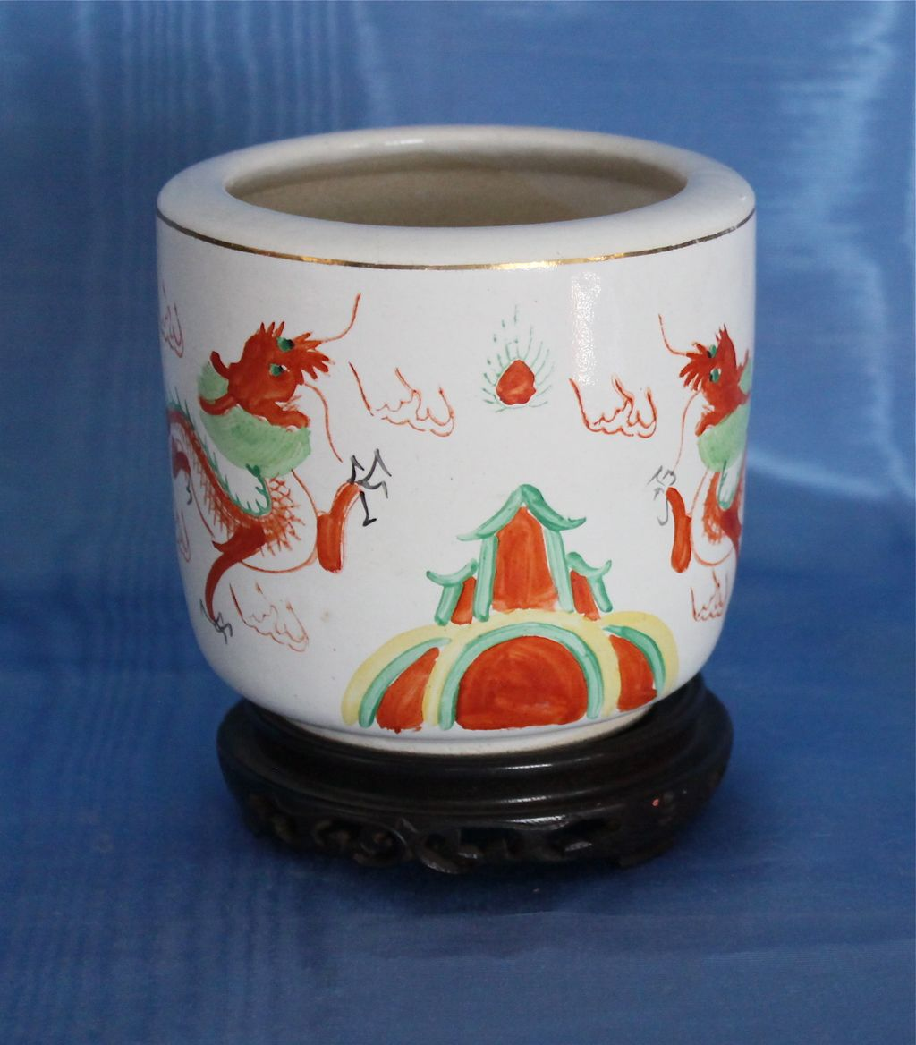 19th C. Chinese Export Brush Pot/Cachepot