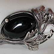 Art nouveau onyx and sterling silver old brooch / pin