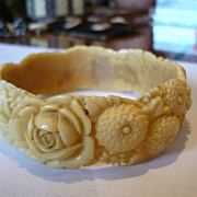 Vintage Celluloid Bangle With Moulded Flowers